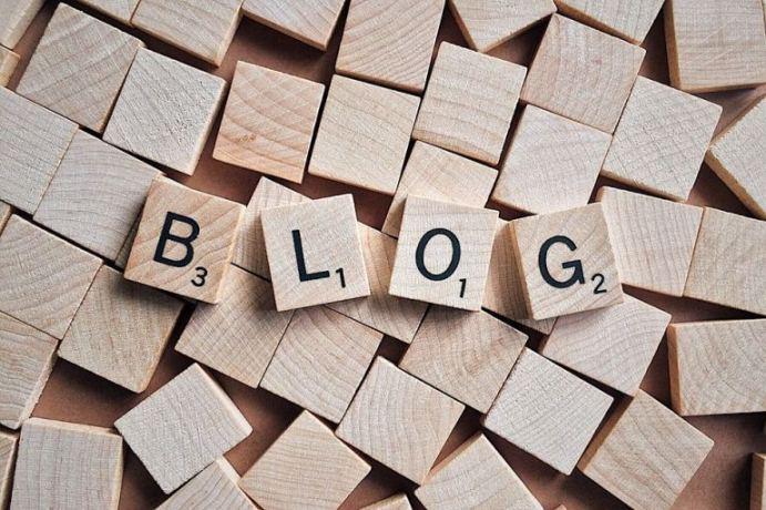 Médias sociaux et blogs