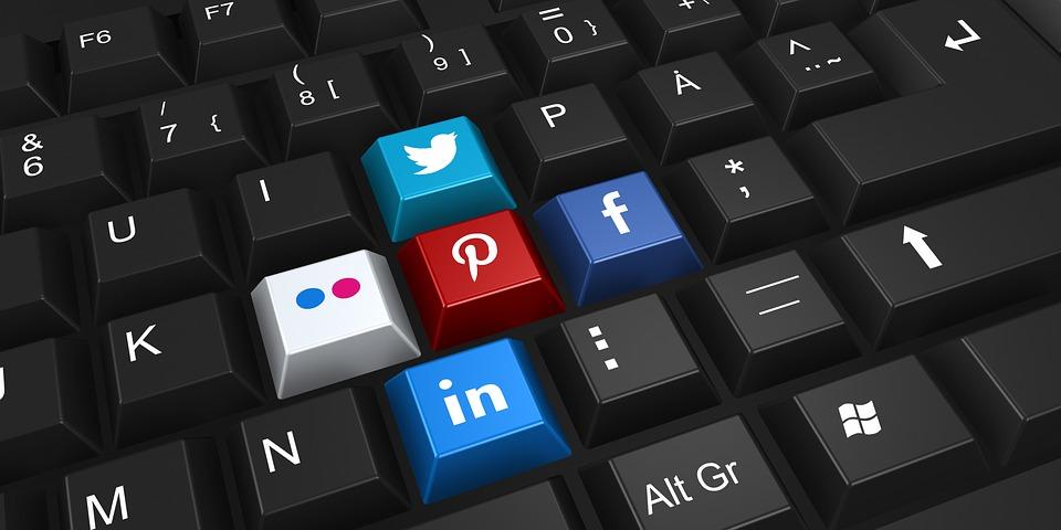 réseaux sociaux dans le marketing d'entreprise